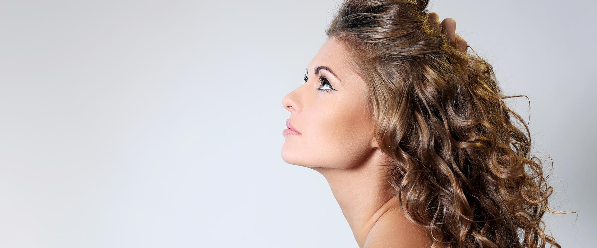 Az egészséges haj alapja az egészséges fejbőr.